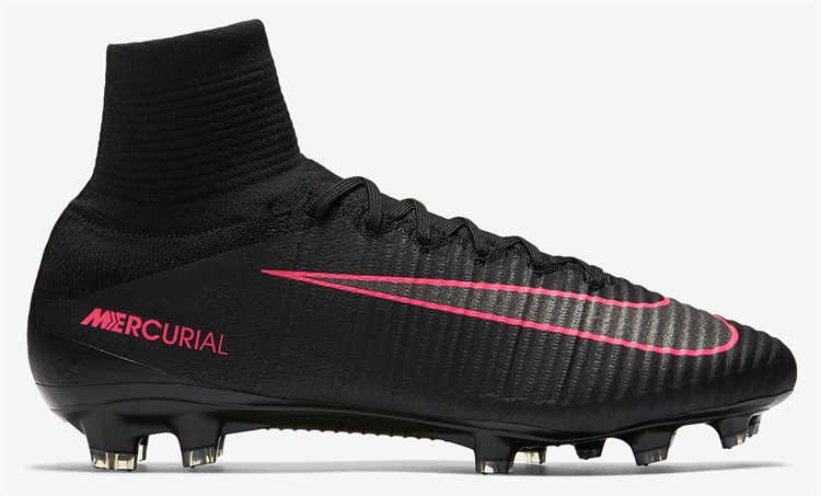 Nike Mercurial Superfly V Pitch Dark voetbalscho Voetbal