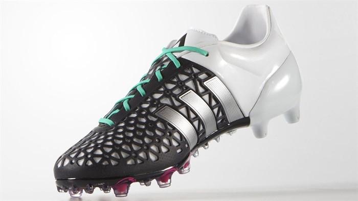 Zwart witte adidas ACE 15 voetbalschoenen Voetbal schoenen.eu