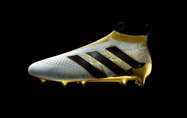 Adidas lanceert Ace 16+ PureControl Stellar Pack Voetbal