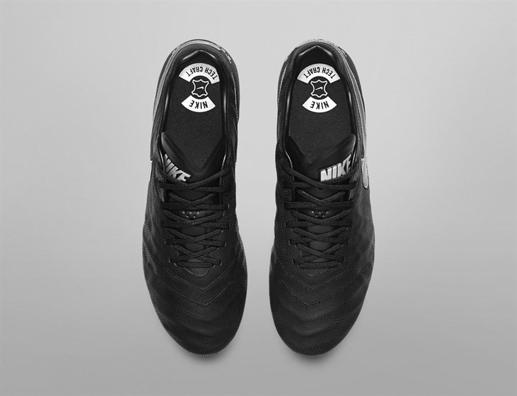 Nike -tech -craft -pack -blackout -tiempo -voetbalschoenen3 (1)