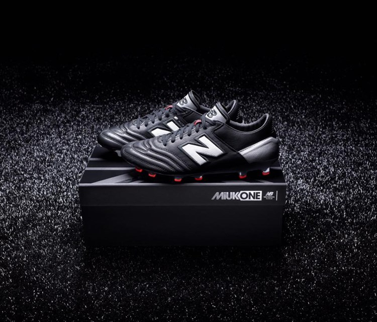 New -Balance -Mi -UK-One -voetbalschoenen