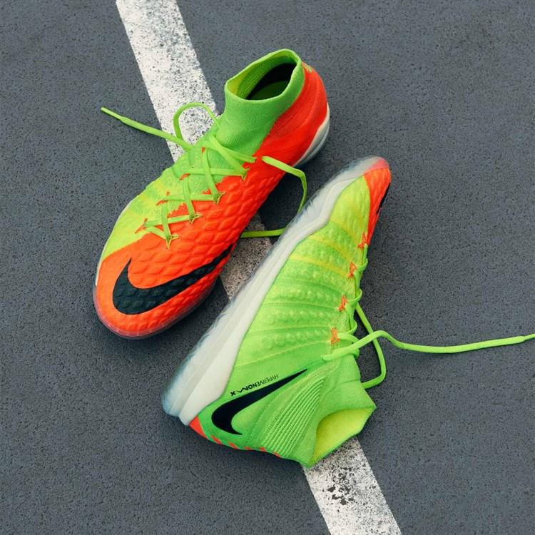 Nike onthult ook 2e generatie HypervenomX Proxim Voetbal
