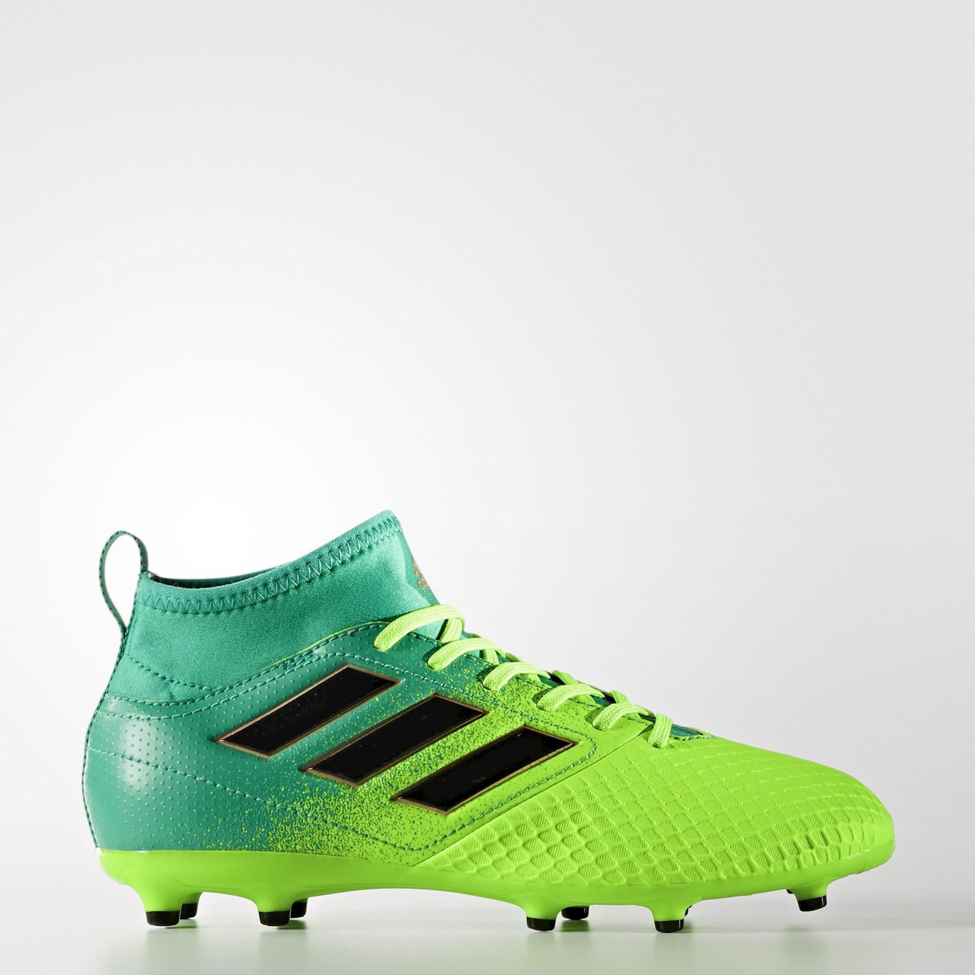Voetbalschoenen met sok Voetbal schoenen.eu