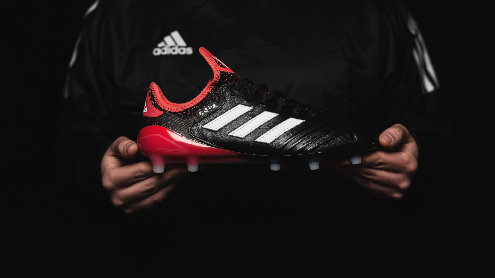 adidas lanceert fel rode Nemeziz 17 Cold Blooded Voetbal