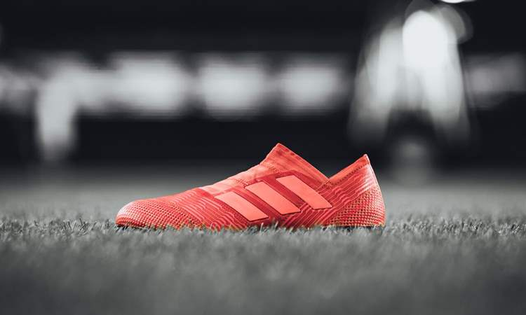 f99bc4f3d75 adidas lanceert fel rode Nemeziz 17 Cold Blooded - Voetbal-schoenen.eu