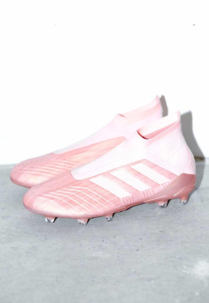 De roze adidas Predator voetbalschoenen SPECTR Voetbal