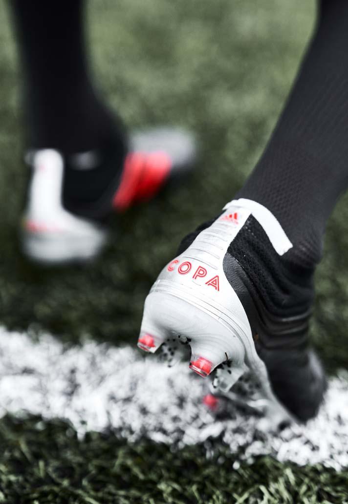 Zwartrode Adidas COPA 19 voetbalschoenen 302 Voetbal