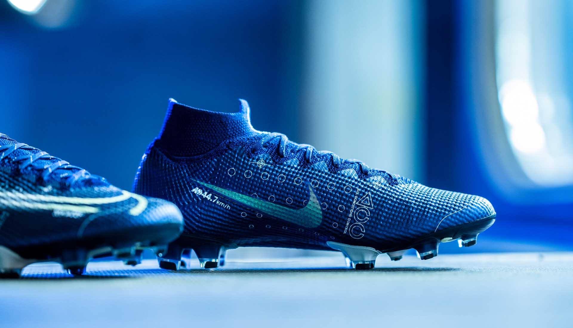 De nieuwe Nike Mercurial DREAM SPEED voetbalscho Voetbal