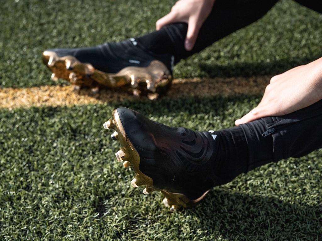 Zwarte adidas COPA Sense voetbalschoenen
